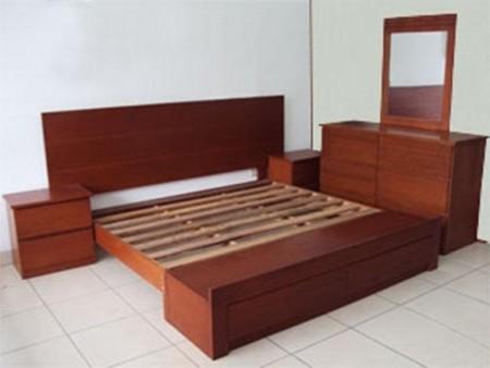 Sets de domitorio muebles neola for Juego de dormitorio usado